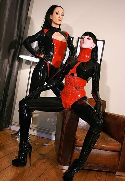 fetish-liza-rubber-lesbians